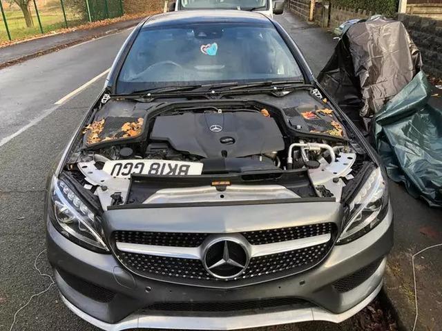 Bị trộm ô tô với thủ đoạn tinh vi, chủ nhà mất đồ nhưng vẫn phải thán phục trình độ nhóm đạo tặc - Ảnh 4.