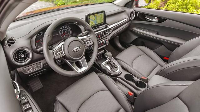 Kia Cerato giảm giá kỷ lục tại đại lý: Giá từ 499 triệu, rẻ nhất phân khúc, ngang Toyota Vios bản dịch vụ - Ảnh 6.
