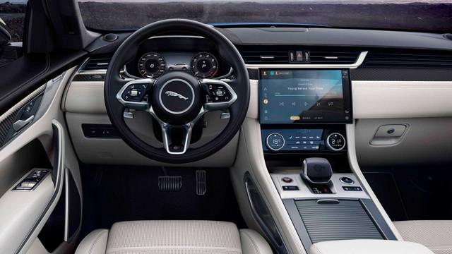 Jaguar F-Pace SVR 2021 giá hơn 10 tỷ đồng tại Việt Nam: SUV sang chảnh cho đại gia Việt mê tốc độ, tăng tốc 0-100 km/h chỉ trong 4 giây - Ảnh 5.
