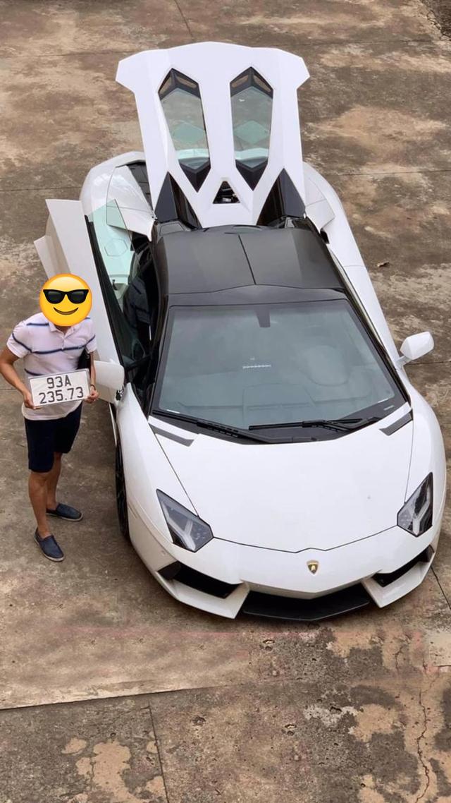 Lamborghini Aventador Roadster hàng hiếm của đại gia Bình Phước có hộ khẩu mới, dân tình chỉ quan tâm luận số - Ảnh 1.