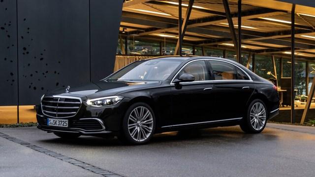 Mercedes-Benz S-Class cũ giảm giá mạnh để đẩy hàng tồn - Ảnh 1.