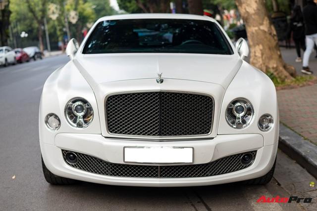 Chán màu sơn nguyên bản, đại gia Hà Thành đổi màu ngoại thất của Bentley Mulsanne để trở nên độc đáo hơn - Ảnh 2.