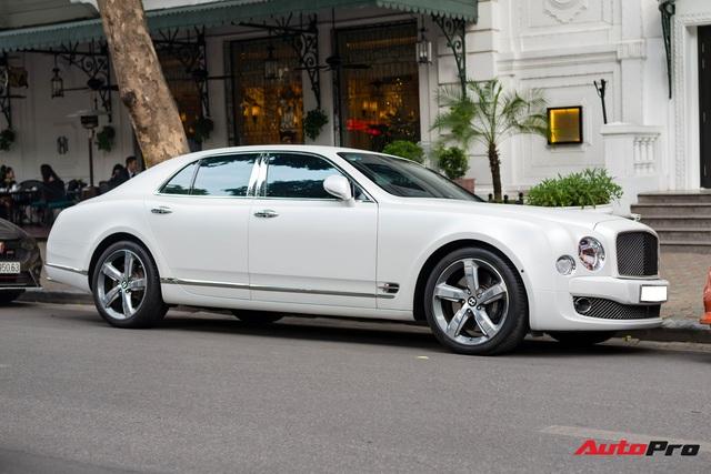 Chán màu sơn nguyên bản, đại gia Hà Thành đổi màu ngoại thất của Bentley Mulsanne để trở nên độc đáo hơn - Ảnh 1.