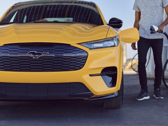 Ford Mustang Mach-E GT nâng cấp động cơ, tăng tốc nhanh ngang ngửa siêu xe - Ảnh 2.