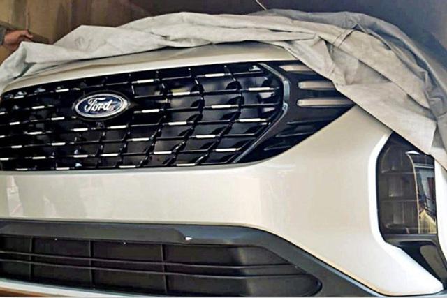 Ford EcoSport thế hệ mới lần đầu lộ điện: Mặt như SUV hạng C, đe nẹt lại Kia Seltos - Ảnh 1.