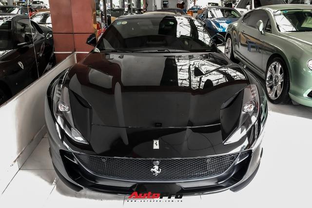 Cận cảnh Ferrari 812 Superfast từng của doanh nhân Hải Phòng tại showroom siêu xe số 1 Sài thành - Ảnh 2.