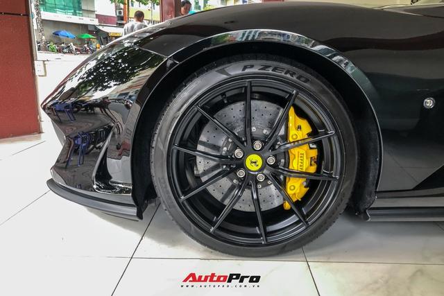 Cận cảnh Ferrari 812 Superfast từng của doanh nhân Hải Phòng tại showroom siêu xe số 1 Sài thành - Ảnh 5.