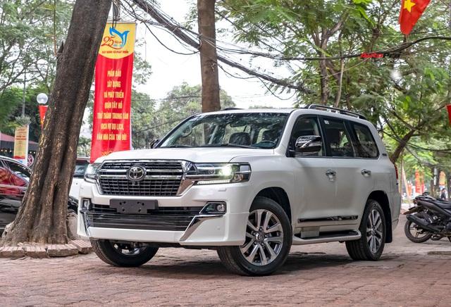 Toyota Land Cruiser VXS Executive Lounge 2021 đầu tiên Việt Nam có gì để thuyết phục nhà giàu Việt xuống tiền hơn 6 tỷ đồng? - Ảnh 8.