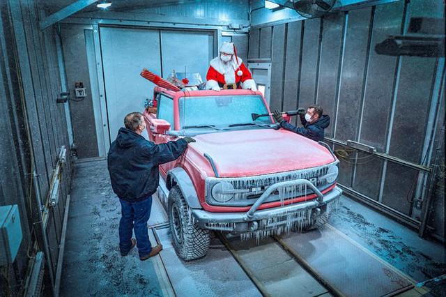 Cách chào đón Giáng sinh độc đáo của các hãng xe - Ảnh 7.
