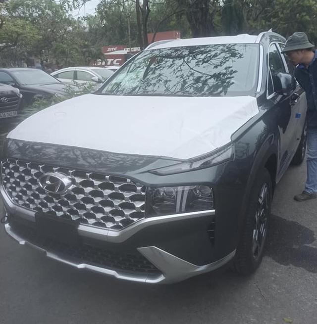 Hyundai Santa Fe 2021 thứ 2 về Việt Nam - Mẫu SUV bán chạy nhiều người mong chờ - Ảnh 1.