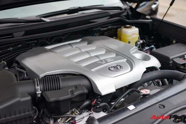 Cận cảnh Toyota Land Cruiser VX.S V8 2021 giá hơn 8 tỷ đồng: Lựa chọn thay thế mẫu Lexus LX 570 cho giới đại gia Việt - Ảnh 10.