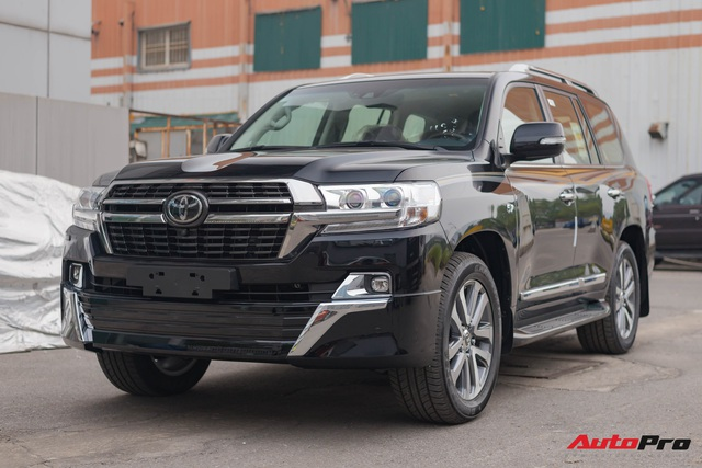 Cận cảnh Toyota Land Cruiser VX.S V8 2021 giá hơn 8 tỷ đồng: Lựa chọn thay thế mẫu Lexus LX 570 cho giới đại gia Việt - Ảnh 2.