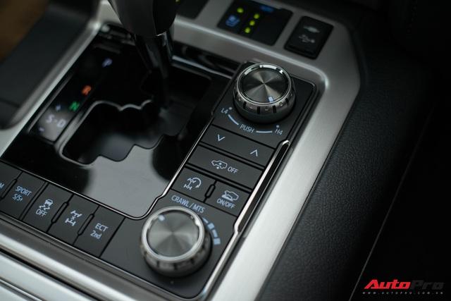 Cận cảnh Toyota Land Cruiser VX.S V8 2021 giá hơn 8 tỷ đồng: Lựa chọn thay thế mẫu Lexus LX 570 cho giới đại gia Việt - Ảnh 6.
