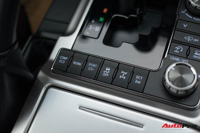 Cận cảnh Toyota Land Cruiser VX.S V8 2021 giá hơn 8 tỷ đồng: Lựa chọn thay thế mẫu Lexus LX 570 cho giới đại gia Việt - Ảnh 7.
