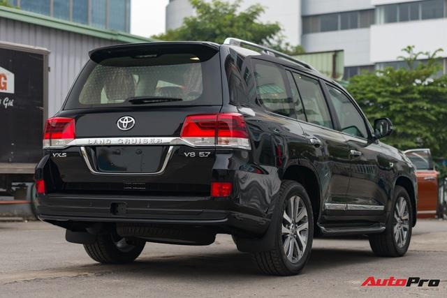 Cận cảnh Toyota Land Cruiser VX.S V8 2021 giá hơn 8 tỷ đồng: Lựa chọn thay thế mẫu Lexus LX 570 cho giới đại gia Việt - Ảnh 11.