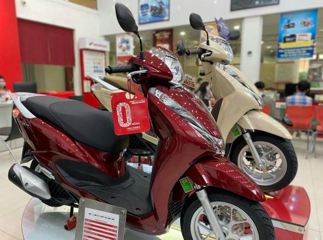 Nhiều mẫu xe máy bán rẻ cuối năm, giá Honda Lead nhỉnh hơn 36 triệu đồng - Ảnh 2.