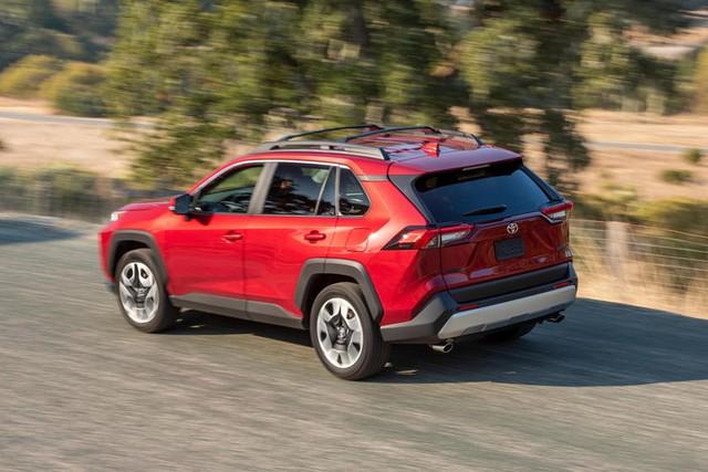 Bất chấp đóng cửa thời gian dài, Toyota vẫn đạt sản lượng kỷ lục mới trong 2020 - Ảnh 2.