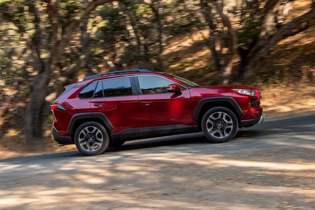 Bất chấp đóng cửa thời gian dài, Toyota vẫn đạt sản lượng kỷ lục mới trong 2020 - Ảnh 1.