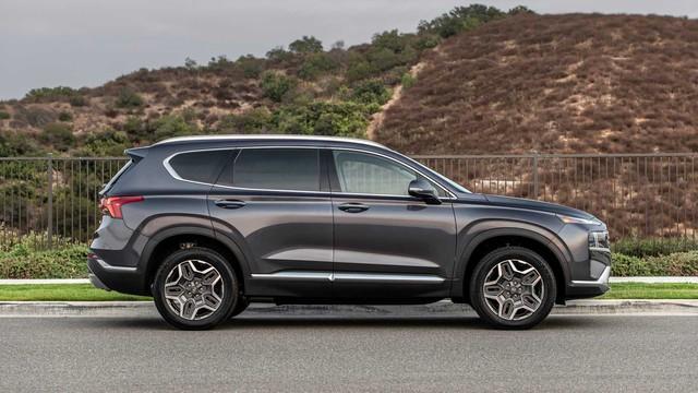 Hyundai Santa Fe 2021 tăng nhẹ giá bán, cao nhất lên tới gần 1 tỷ 200 triệu đồng khi quy đổi ra tiền Việt - Ảnh 3.