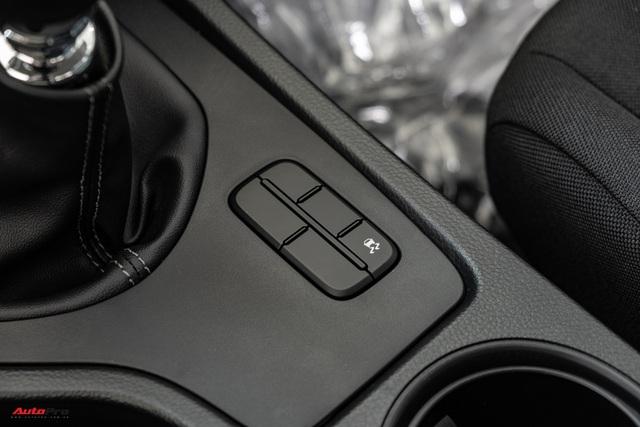 Chi tiết Ford Ranger XLS MT 2021 giá 630 triệu đồng vừa về đại lý: Bán tải thực dụng cho người eo hẹp tài chính - Ảnh 10.