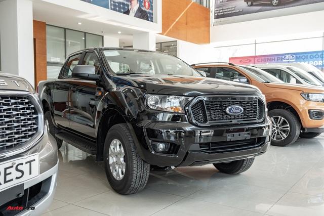 Chi tiết Ford Ranger XLS MT 2021 giá 630 triệu đồng vừa về đại lý: Bán tải thực dụng cho người eo hẹp tài chính - Ảnh 1.