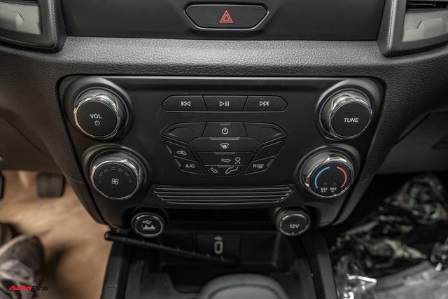 Chi tiết Ford Ranger XLS MT 2021 giá 630 triệu đồng vừa về đại lý: Bán tải thực dụng cho người eo hẹp tài chính - Ảnh 9.