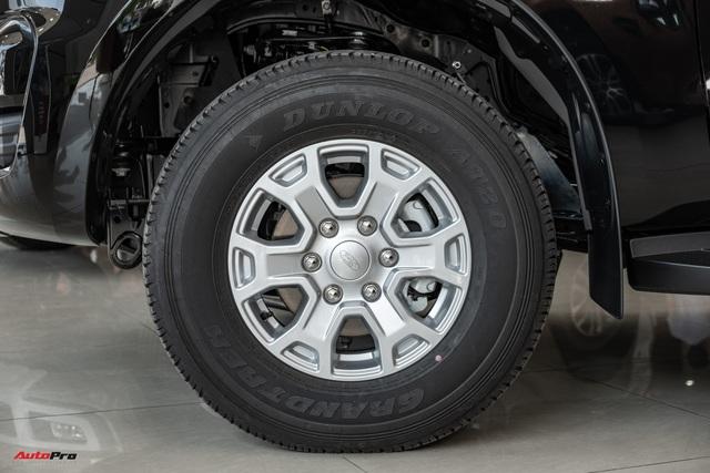 Chi tiết Ford Ranger XLS MT 2021 giá 630 triệu đồng vừa về đại lý: Bán tải thực dụng cho người eo hẹp tài chính - Ảnh 5.