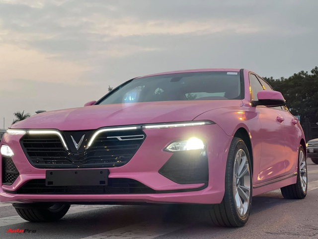 Nữ chủ nhân VinFast Lux A2.0 chi 35 triệu đồng độ nội thất full màu hồng, bầu trời sao độc nhất Việt Nam - Ảnh 7.