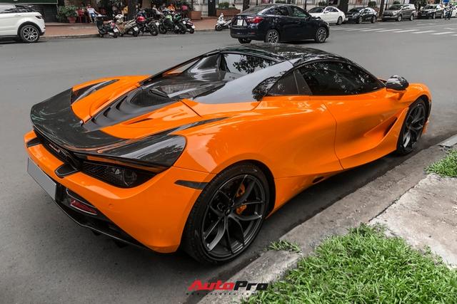 Nữ ca sĩ Đoàn Di Băng lần đầu cầm lái siêu xe McLaren 720S Spider chồng tặng lên phố - Ảnh 9.