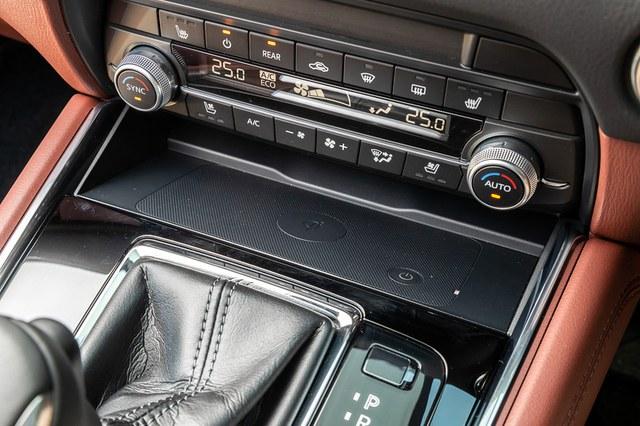 Ra mắt Mazda CX-8 2021: Giá quy đổi từ 1,05 tỷ đồng, phả hơi nóng lên Hyundai Santa Fe - Ảnh 5.