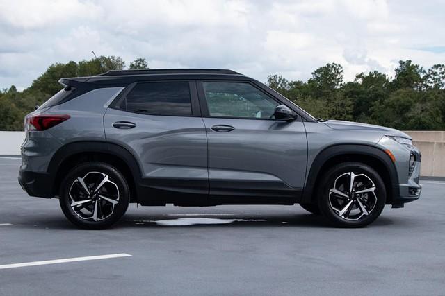 Chevrolet Trailblazer đắt hàng chưa từng có - SUV 7 chỗ đáng tiếc không còn bán ở Việt Nam - Ảnh 1.