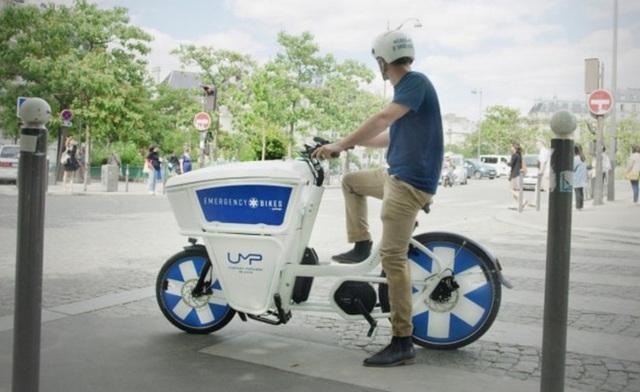 Pháp bắt đầu sử dụng xe đạp cứu thương - Ảnh 1.