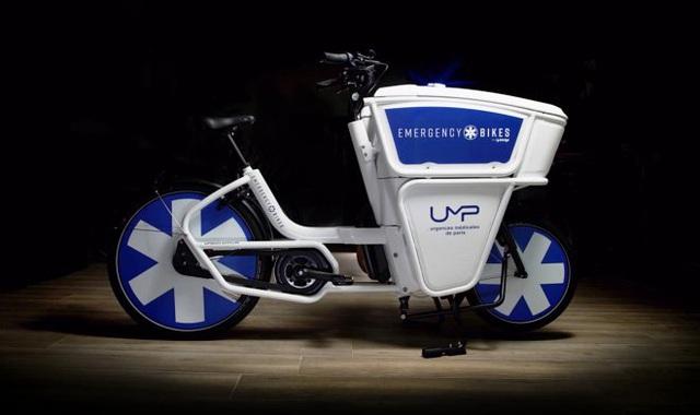 Pháp bắt đầu sử dụng xe đạp cứu thương - Ảnh 2.