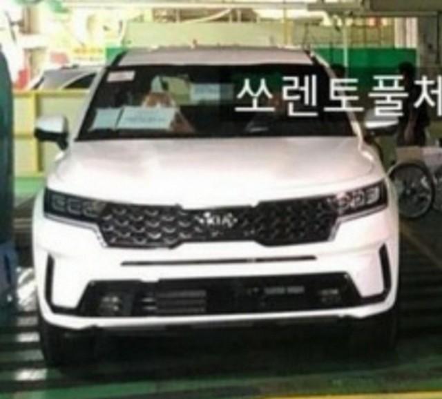 Toàn bộ thông tin đã lộ về Kia Sorento 2020 trước giờ G: Hyundai Santa Fe phải dè chừng là vừa - Ảnh 2.