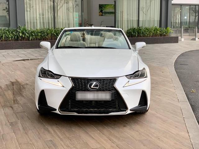 Xe mui trần sang chảnh Lexus IS250C được rao bán với giá hơn 1,1 tỷ đồng sau 10 năm sử dụng - Ảnh 1.