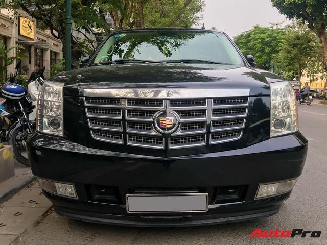 Khủng long Cadillac Escalade ESV XXXL độc nhất Việt Nam lăn bánh trên phố: Dài tận 6,6m, 3 hàng ghế, giá nửa triệu USD - Ảnh 5.
