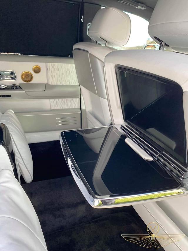 Dân mạng chưa hết trầm trồ, đại gia Việt tiếp tục tậu thêm Rolls-Royce Phantom Tranquility thứ 2: Chỉ khác biệt ở 1 chi tiết nhỏ duy nhất? - Ảnh 8.