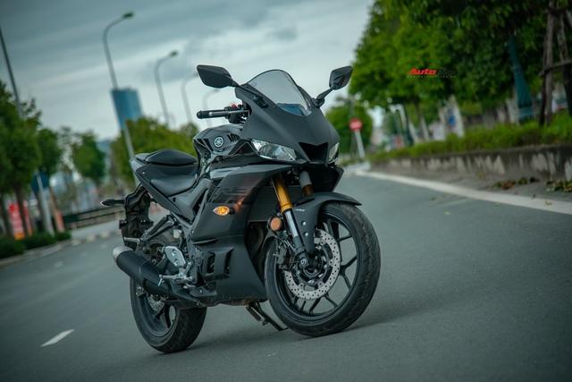 Yamaha YZF-R3 2020 giá 129 triệu đồng đầu tiên về Việt Nam: Sport-bike thuần chủng cho tài non - Ảnh 1.