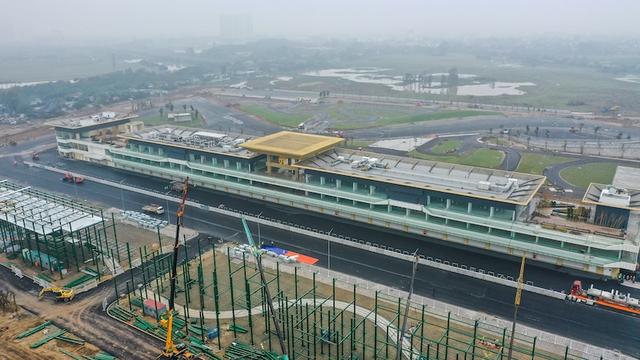 Đường đua F1 Hà Nội đã hoàn thành nhiều hạng mục, chuẩn bị đón những tay đua hàng đầu thế giới - Ảnh 1.