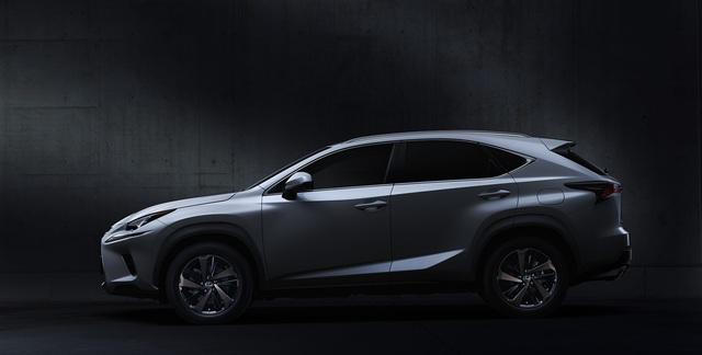 Đua với Mercedes-Benz GLC, Lexus NX300 2020 ra mắt tại Việt Nam với giá 2,56 tỷ đồng - Ảnh 2.
