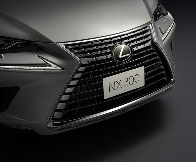 Đua với Mercedes-Benz GLC, Lexus NX300 2020 ra mắt tại Việt Nam với giá 2,56 tỷ đồng - Ảnh 1.
