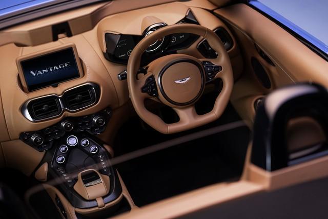 Aston Martin nâng cấp Vantage Roadster, nhận được vô số khen ngợi chỉ nhờ 1 thay đổi duy nhất nhưng lại nhanh nhất thế giới - Ảnh 4.