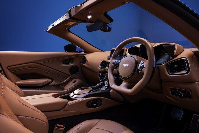 Aston Martin nâng cấp Vantage Roadster, nhận được vô số khen ngợi chỉ nhờ 1 thay đổi duy nhất nhưng lại nhanh nhất thế giới - Ảnh 3.