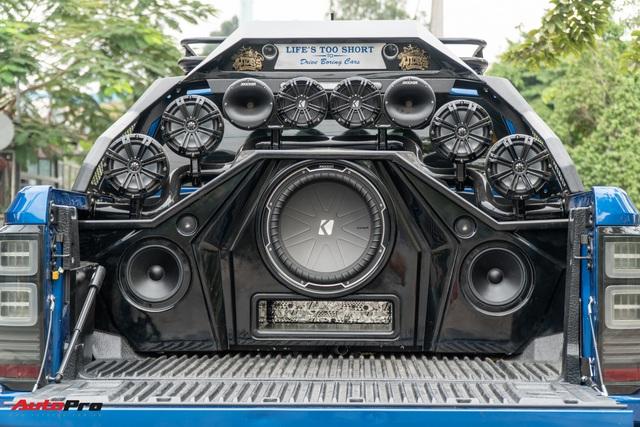 Ford Ranger Raptor của dân chơi Sài Gòn gắn dàn âm thanh trị giá 1,8 tỷ - Tiền độ đắt hơn tiền xe - Ảnh 5.