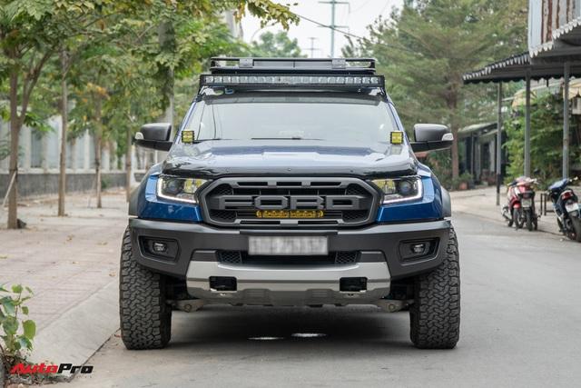 Ford Ranger Raptor của dân chơi Sài Gòn gắn dàn âm thanh trị giá 1,8 tỷ - Tiền độ đắt hơn tiền xe - Ảnh 2.