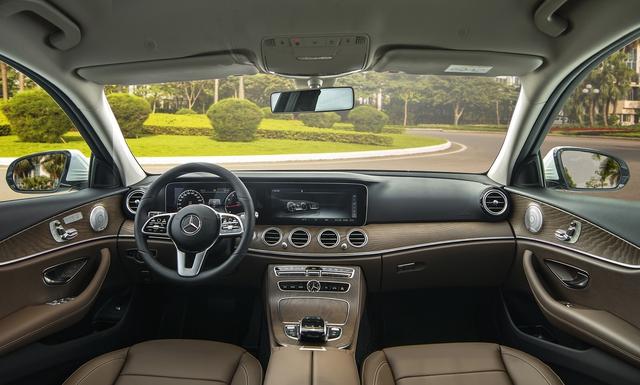 Mercedes-Benz E 200 Exclusive 2020 ra mắt Việt Nam: Giá 2,29 tỷ đồng, chỉ cao hơn 101 triệu đồng so với BMW 3-Series - Ảnh 2.