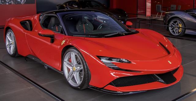 Sau hypercar McLaren Senna, đại gia Hoàng Kim Khánh tiếp tục tậu Ferrari SF90 Stradale? - Ảnh 2.