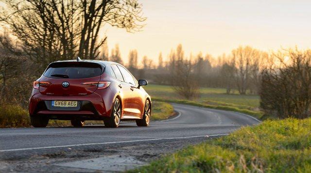 Toyota Corolla sẽ có bản hiệu suất cao, dùng động cơ tăng táp, đối đầu Honda Civic Type R - Ảnh 1.