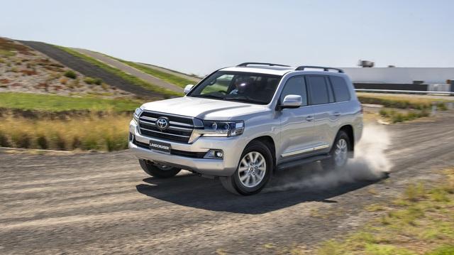 Rộ tin Toyota Land Cruiser mới có 3 tùy chọn động cơ V6: Nhỏ hơn để rẻ hơn?
