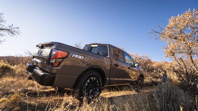 Nissan muốn làm siêu bán tải cân kèo với Ford F-150 Raptor - Ảnh 2.